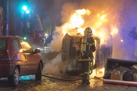 Les affrontements ont été assez violents hier soir dans le centre de Rennes © Maxppp