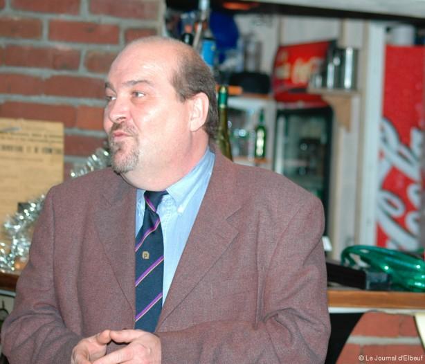 Patrick Bellenger et le FN pourraient arbitrer le duel Caru-Bonnaterre aux municipales 2014 à Caudebec-lès-Elbeuf.