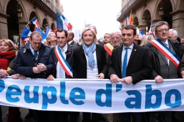 Nicolas Bay au coté de Marine Le Pen